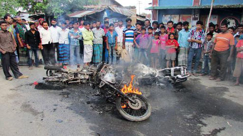 'Battling Begums' hits Bangladesh, Five killed