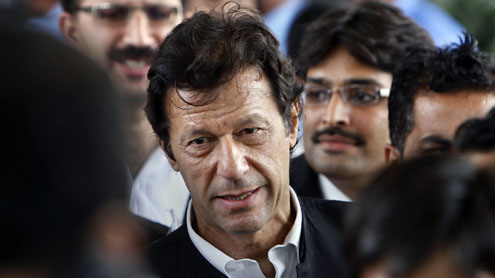 Imran Asks Pakistan, India to Cooperate in Civil N-Tech