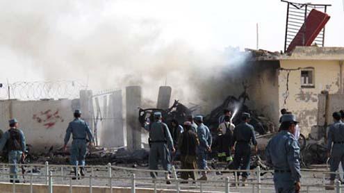 Suicide Bombing Kills Four Policemen in Afghanistan