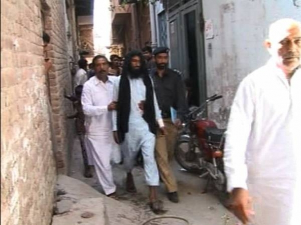 Man Kills Wife and two year-old Son in Lahore