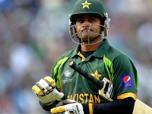 Hafeez Resigns as Pakistan's T20 Captain