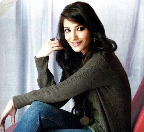 Pakistani Actress Naveen Waqar