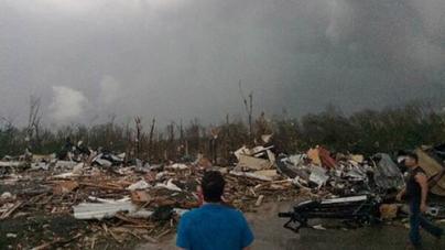 Tornadoes Strike central Southern US Killing 12