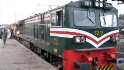 New Chinese train Engine Fails First assignment