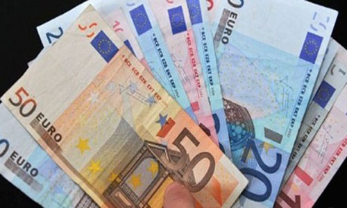 Euro Dips in Asia after ECB Easing Measures