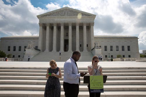 US Supreme Court: Police need Warrant to Search Cell Phones