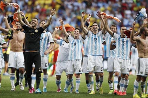 Argentina Beats Netherlands to Reach World Cup Final
