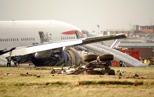 Kenyan Plane Crashes into Building After Takeoff: Authorities