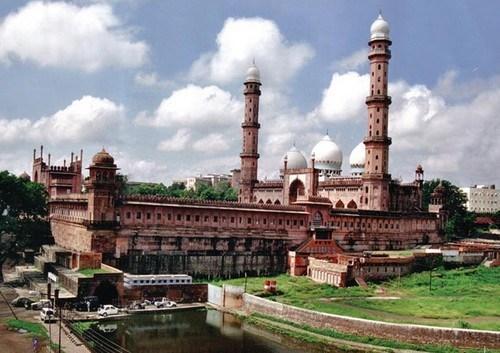 Taj ul Mosque