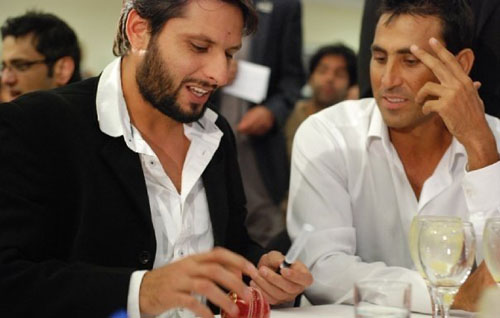 shahid afridi and Younis Khan