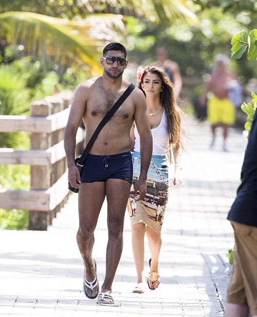 Boxer Amir Khan with is wife