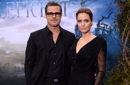 Hollywood Couple Angelina Jolie and Brad Pitt Tie The Knot