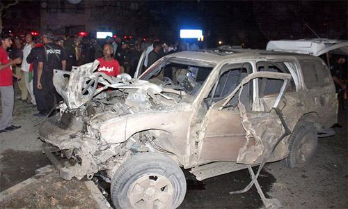 Bomb Attack on Police Officer Kills Two, Injures Six in Karachi