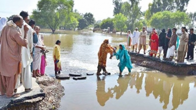 Flood Threatens Shehr Sultan dyke
