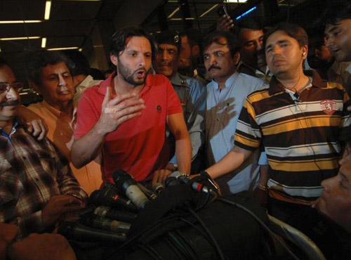 shahid afridi talk to media