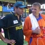 shahid afridi talk to players