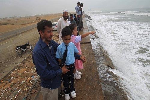 Karachi Nilofar
