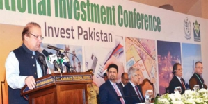 PM Nawaz Sharif Keeps Focus On Economy, Foreign Affairs