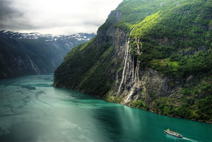 Seven Sisters Waterfall , Romsdal County
