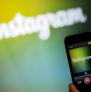 Instagram tops 400 Million Users
