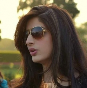 Mawra Hocane to Make Bollywood Debut in 'Sanam Teri Kasam'?