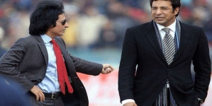 Wasim Akram, Ramiz Raja Sign Contract with Pakistan Super League