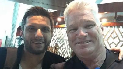 Aussie batsman Jones arrives in Lahore after visa row