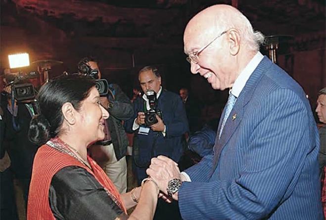 Indian FM plans talks on improving relations