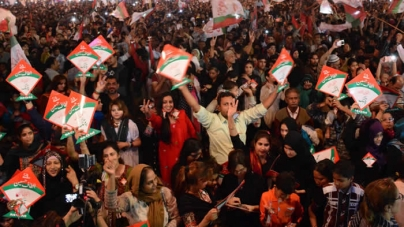 Altaf's call causes panic in Karachi