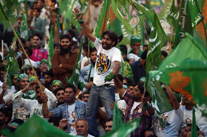 PML-N, PTI Lead