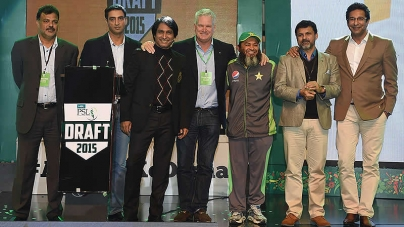 Peshawar Zalmi signs on Imran Khan, says 'He is a cricketing hero'