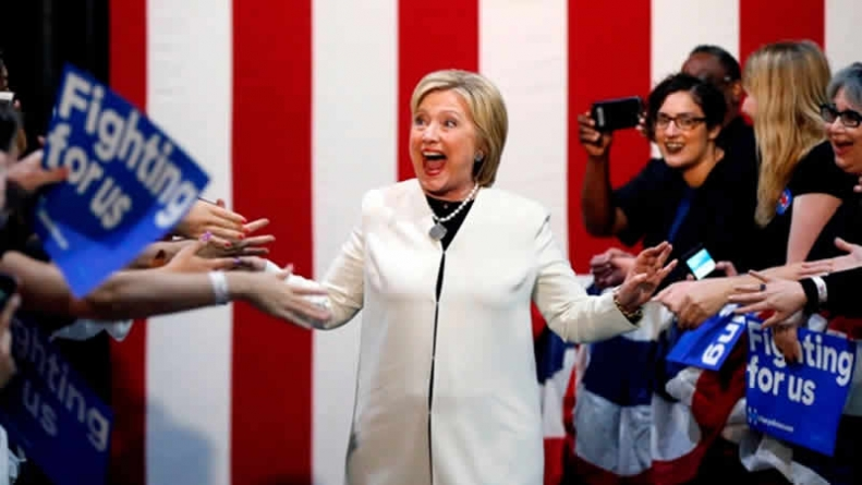 Clinton Wins 6 States, Trump 5 On Super Tuesday
