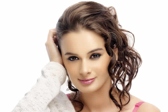 Evelyn Sharma image