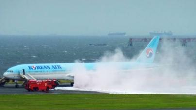 300 passengers evacuated from Korean Air plane at Tokyo airport