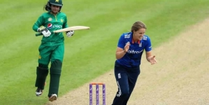 England's Women Run Riot Against Pakistan