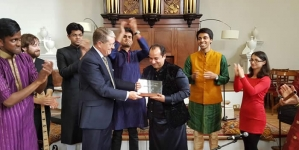 Oxford University awards Lifetime Achievement Honorary Shield to Rahat