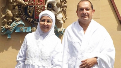 British Ambassador Embraces Islam Performs Haj