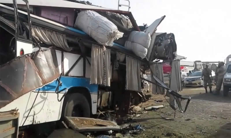 At least 25 killed in Rahim Yar Khan bus collision