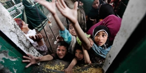 Poverty Eradication Uphill Task For Pakistan, India: World Bank