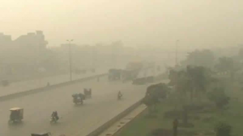 Over Dozen Vehicles Collide Due To Smog; 24 killed