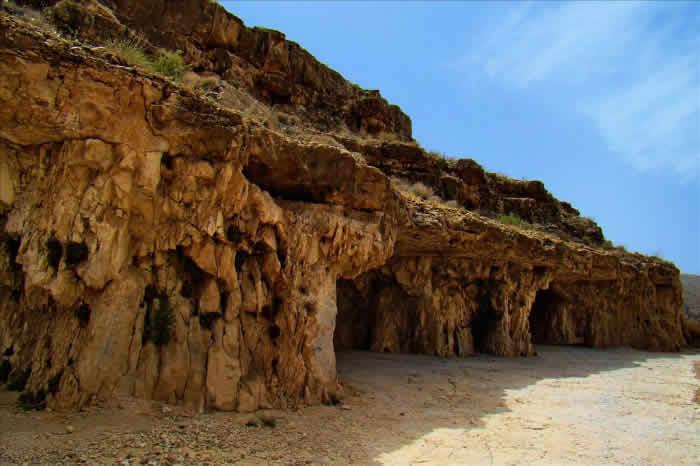 Sangeshkan Cave, Iran