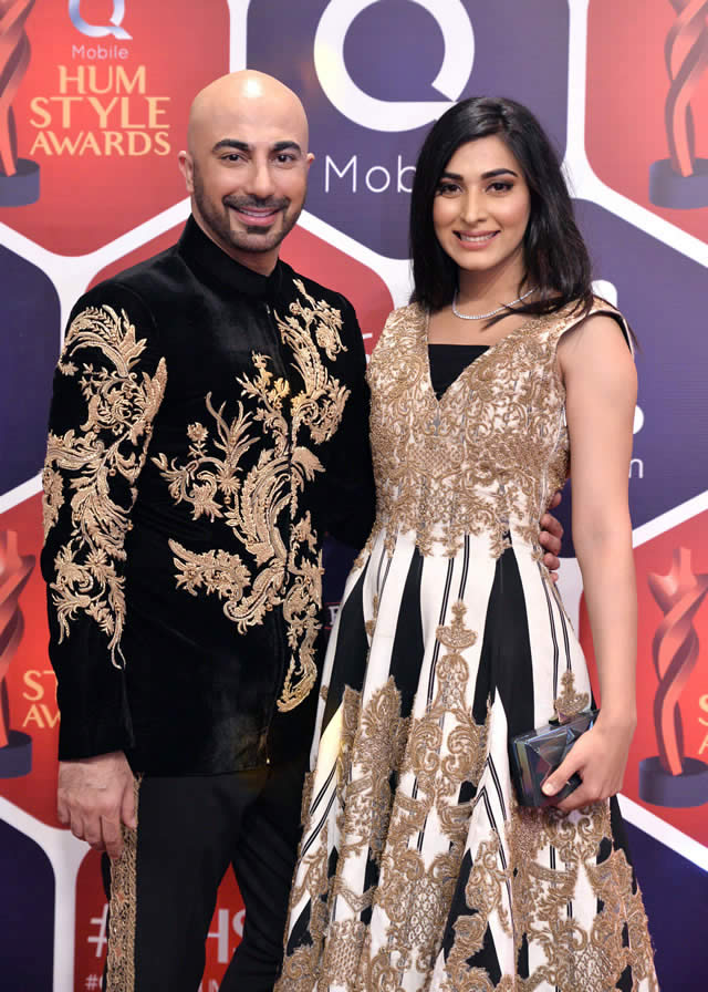 hsy-with-eshal-fayyaz-in-hsy