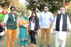 Waqas, Shenaz, Anoshia, Jawad, Naseer