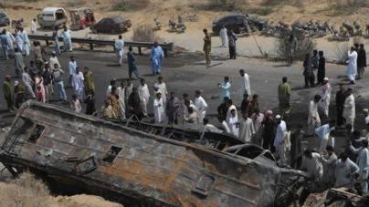 Three killed, Five Hurt In Hub Road Accident