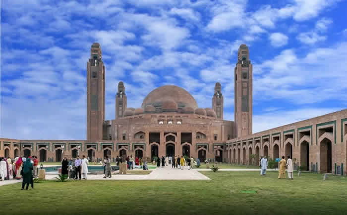 Grand Mosque Bahria Town