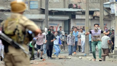 Indian Army Jumps In As IHK Students Beat Up Police