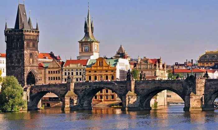 harles Bridge, Prague, Czech Republic