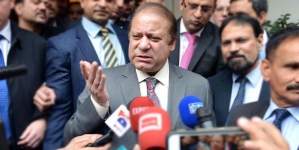 Nawaz Sharif's guard tortures media workers outside parliament house
