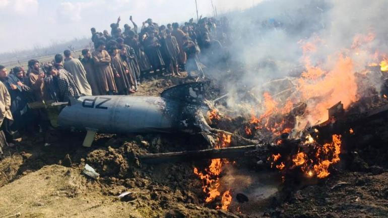 Video of Indian fighter jets shot down by Pakistan