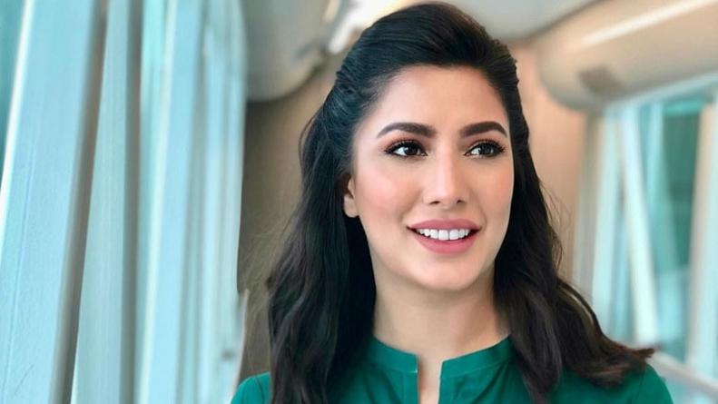 Mehwish Hayat dedicates 'Tamgha-e-Imtiaz' to all girls who have big dreams